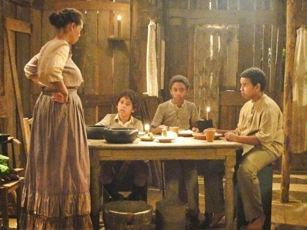 "Em ""Lado a Lado"", Zenaide despreza o filho de Isabel (8/11/12)"