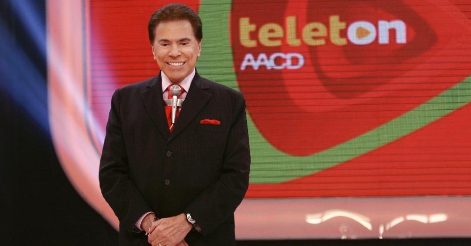 """Silvio Santos abre o """"Teleton"""" 2012, campanha promovida pelo SBT em prol da AACD, nos estúdios da emissora paulista em Osasco. A maratona televisiva começa às 22h30 da sexta (10) e segue até o início da madrugada do domingo (11) com atrações musicais e participação de famosos"""