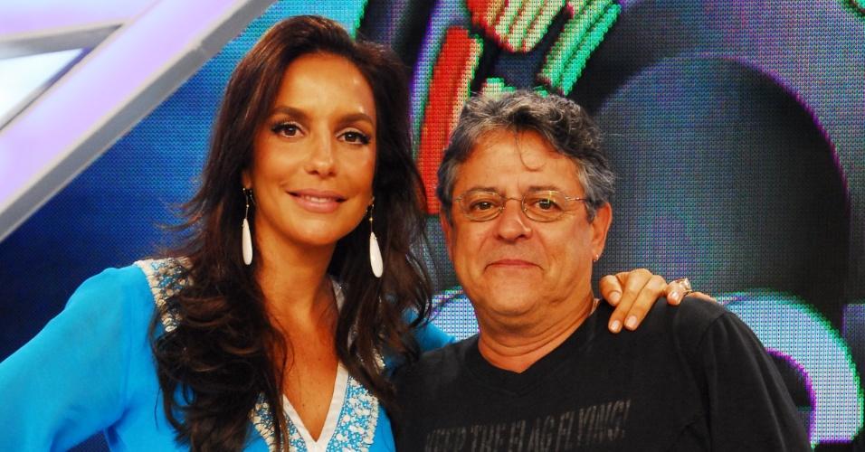 A cantora Ivete Sangalo e o ator e diretor Marcos Paulo durante o programa