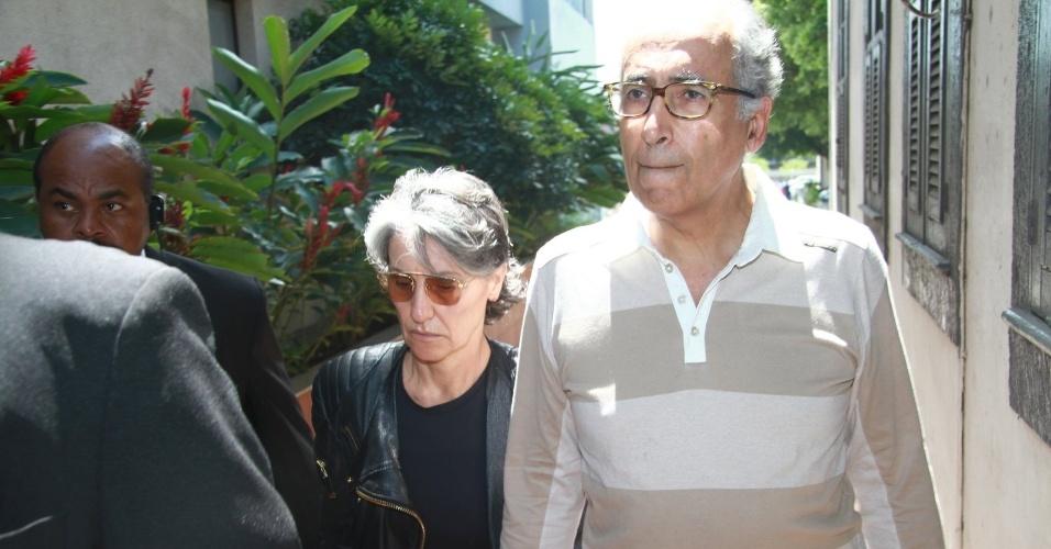 Cassia Kiss chega ao velório do diretor e ator Marcos Paulo, no Memorial do Carmo, no Rio de Janeiro (12/11/12)