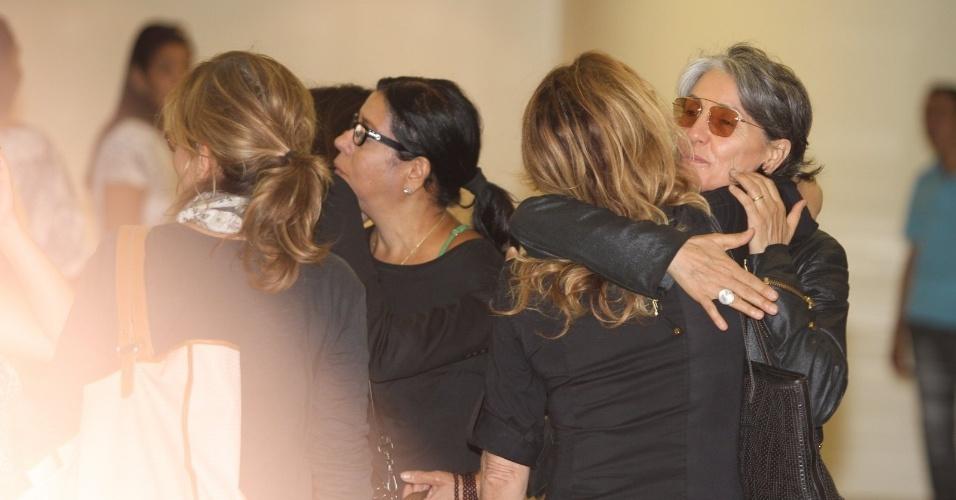 Cassia Kiss no velório de Marcos Paulo, que morreu na noite deste domingo, no Rio de Janeiro (12/11/12)
