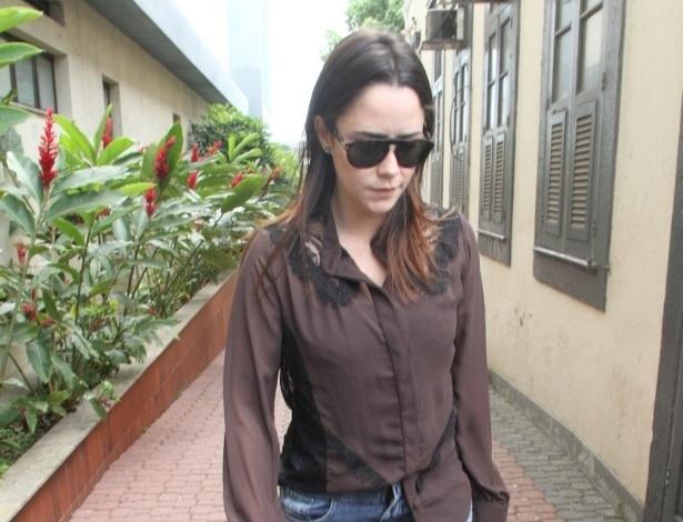 Fernanda Vasconcellos comparece ao Memorial do Carmo, no Rio de Janeiro, para o velório do diretor Marcos Paulo (12/11/12)