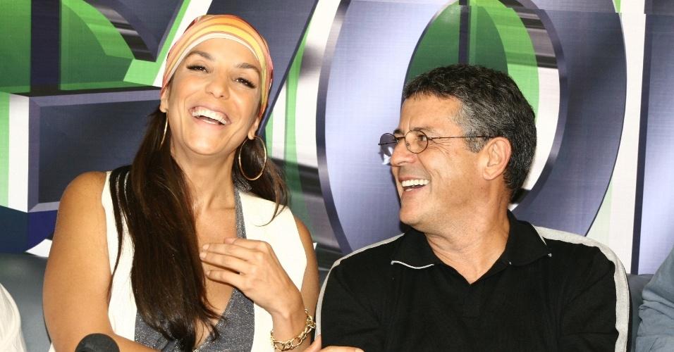 """Ivete Sangalo, apresentadora de """"Estação Globo"""", e Marcos Paulo, diretor de núcleo do programa"""