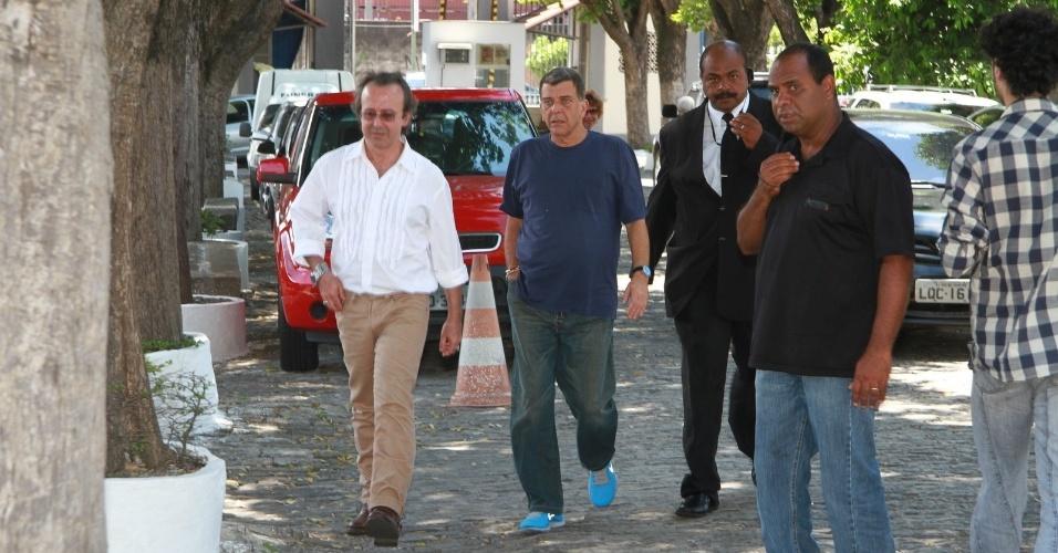 Jorge Fernando chega ao velório do ator e diretor Marcos Paulo, no Memorial do Carmo, no Rio de Janeiro (12/11/12)