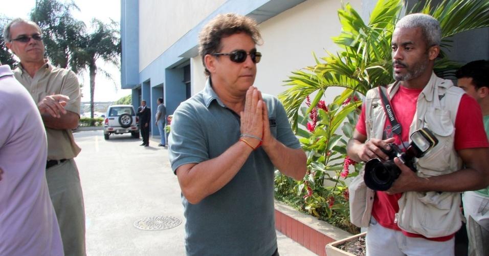 Marcos Frota chega ao velório do ator Marcos Paulo no Memorial do Carmo, no Rio de Janeiro (12/11/12)