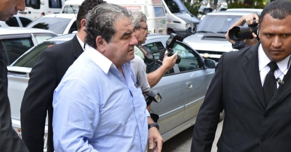 O ator Otávio Augusto chega ao velório de do diretor Marcos Paulo, no Memorial do Carmo, no Rio de Janeiro (12/11/12)