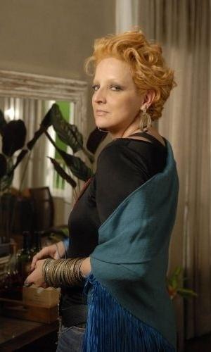 """A atriz Betty Lago na pele da personagem Rejane da minissérie """"Cinquentinha"""" (2010)"""