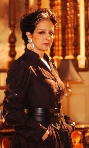 """A atriz Betty Lago na pele de Morgana, personagem que interpretou em """"Pé na Jaca"""", da Globo (2006)"""