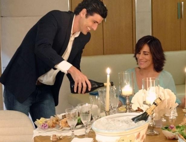 """Em """"Guerra dos Sexos"""", Roberta convida Nando para jantar um jantar especial no iate de Charlô (14/11/12)"""