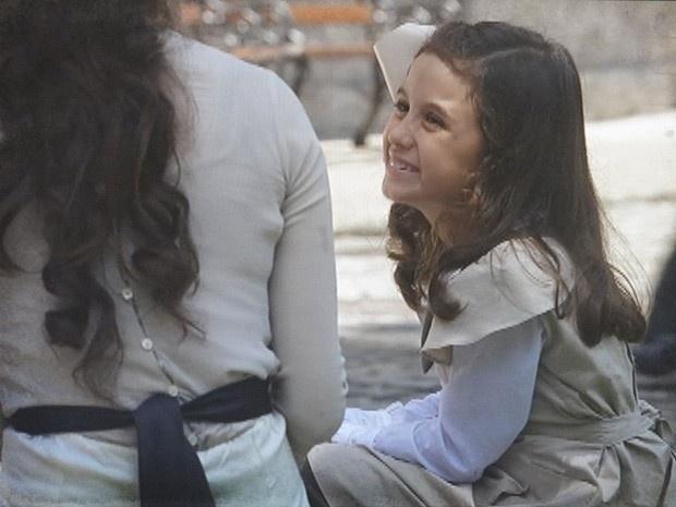 "Em ""Lado a Lado"", Laura se encanta pela filha de Edgar (13/11/12)"