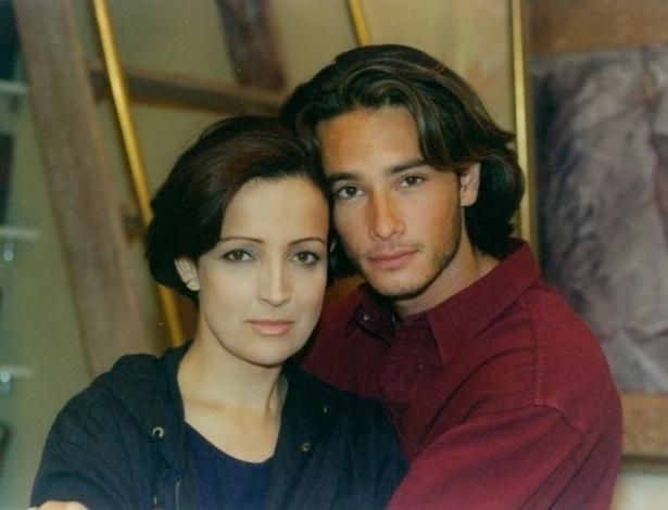 """O atores Betty Lago e Rodrigo Santoro em cena da novela """"O Amor Está no Ar"""" (1997)"""