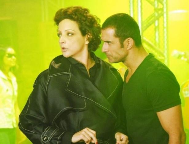 """Os atores Betty Lago e Marcos Pasquim no episódio """"O Muque & A Coxa"""", da série """"Guerra e Paz"""", da Globo. Na história, eles interpretam, respectivamente, Marta Rocha e Pedro Guerra (2008)"""