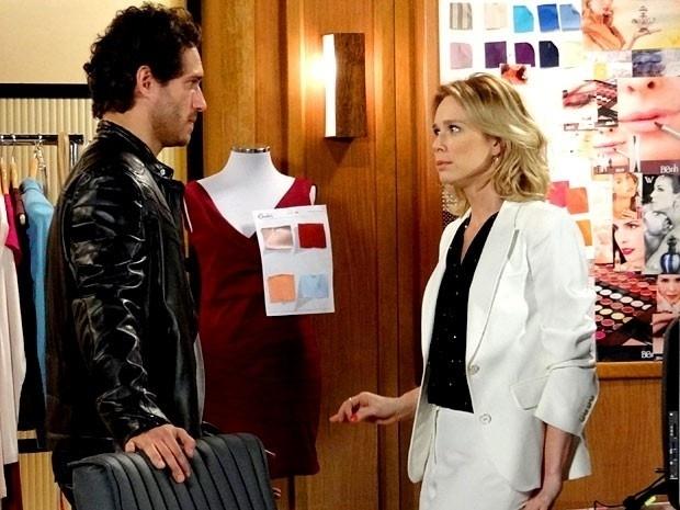 """Em """"Guerra dos Sexos"""", Carolina descobre que Juliana era amante de Fábio e planeja chantageá-la (14/11/12)"""