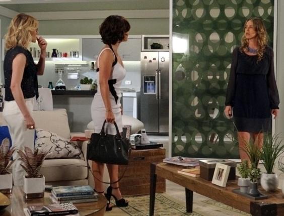 """Em """"Guerra dos Sexos"""", Carolina arma e Manoela pensa que a amante de Fábio é Vânia (16/11/2012)"""