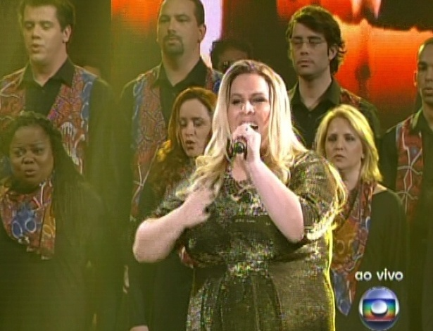 "Carol Marques interpreta a música ""Let It Be"", dos Beatles, na segunda parte da semifinal do ""The Voice Brasil"" (18/11/12)"