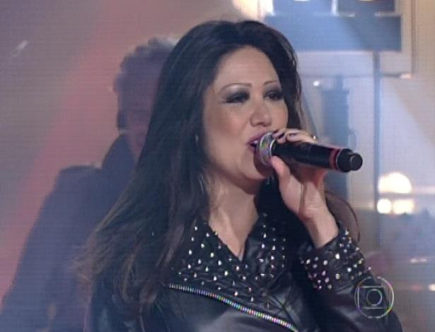 """Sandra Honda canta um medley de """"Metamorfose Ambulante"""", de Raul Seixas e """"Cochise"""", do Audioslave, na segunda parte da semifinal do """"The Voice Brasil"""" (18/11/12)"""