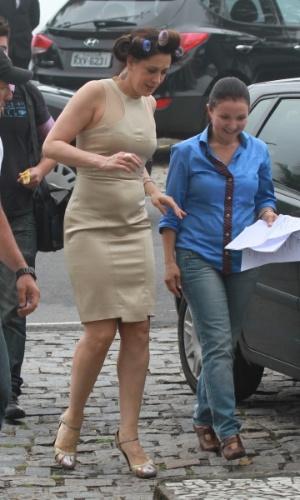 "Claudia Raia se prepara para gravar cena de ""Salve Jorge"" na orla da praia da Barra (25/11/12)"
