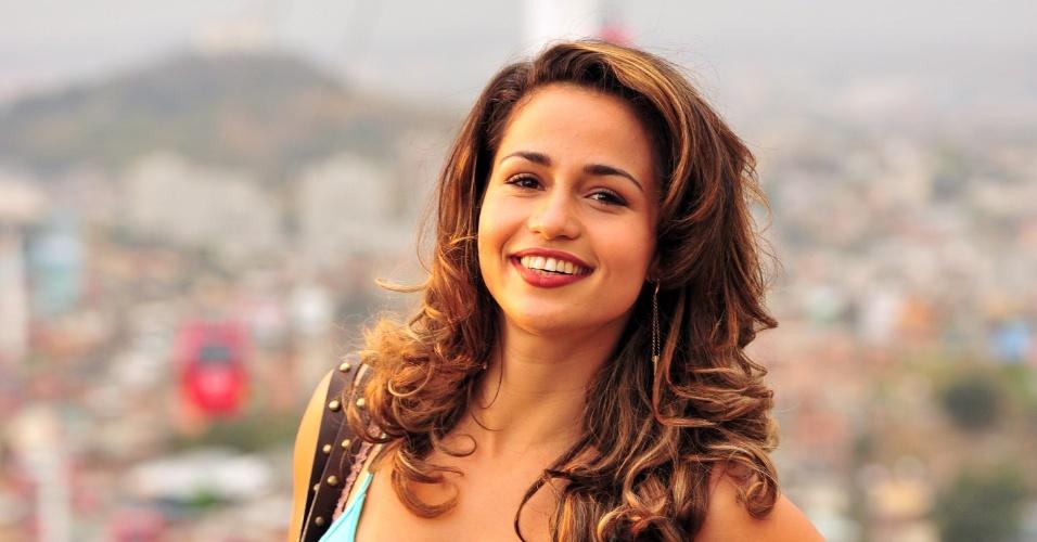 O short jeans usado pela personagem Morena (Nanda Costa) é um dos mais pedidos para para Central de Atendimento aos Telespectadores