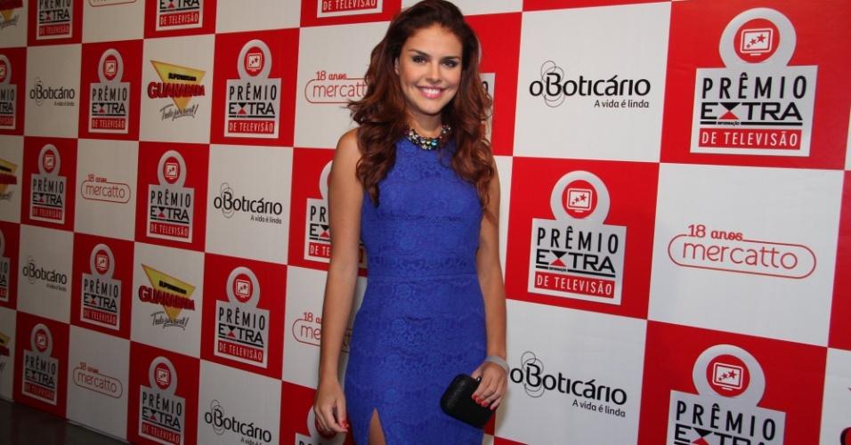 Paloma Bernardi posa no tapete vermelho do Prêmio Extra de Televisão, no Rio de Janeiro 27.nov.2012