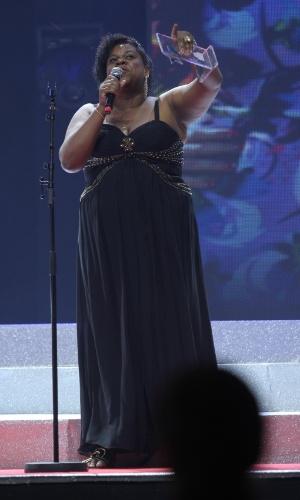 """Cacau Protásio, que interpretou a personagem Zezé, em """"Avenida Brasil"""", é premiada no Prêmio Extra de Televisão, no Rio de Janeiro 27.nov.2012"""