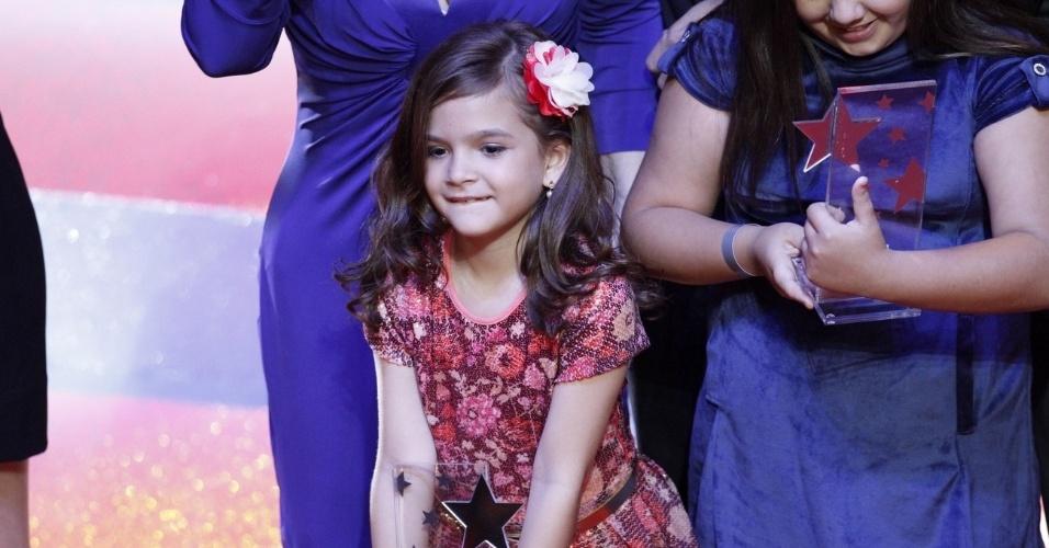 Mel Maia também subiu ao palco para receber o prêmio de melhor novela no Prêmio Extra de Televisão, que aconteceu no Vivo Rio, no Rio de Janeiro 27.nov.2012