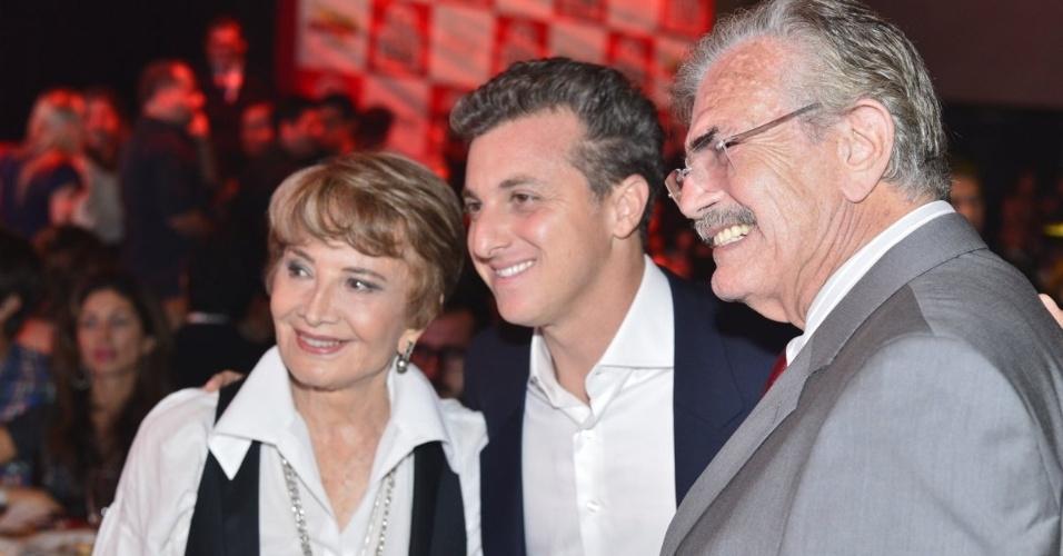 Glória Menezes, Luciano Huck e Tarcísio Meira no Prêmio Extra de Televisão, no Rio de Janeiro 27.nov.2012