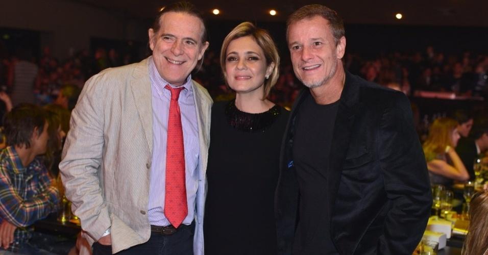 José de Abreu, Adriana Esteves e Marcelo Novaes no Prêmio Extra de Televisão, no Rio de Janeiro 27.nov.2012