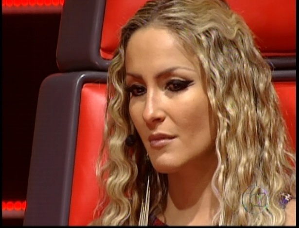 """Claudia Leitte se emociona ao escolher Thalita na quinta semifinal do """"The Voice Brasil"""" (2/12/12)"""