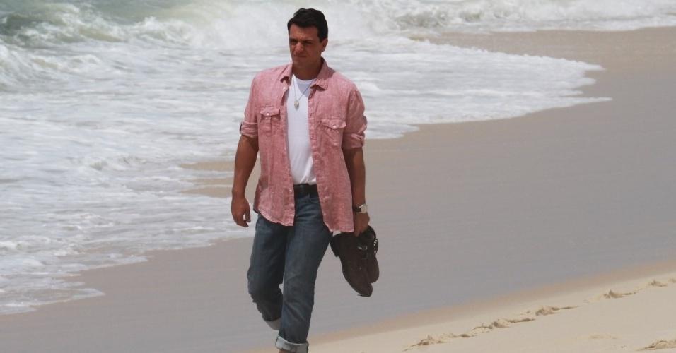 """3.dez.2012 - Nanda Costa grava cenas da novela """"Salve Jorge"""" na praia do Recreio, zona oeste do Rio. Na trama de Glória Perez, a atriz interpreta a protagonista Morena"""
