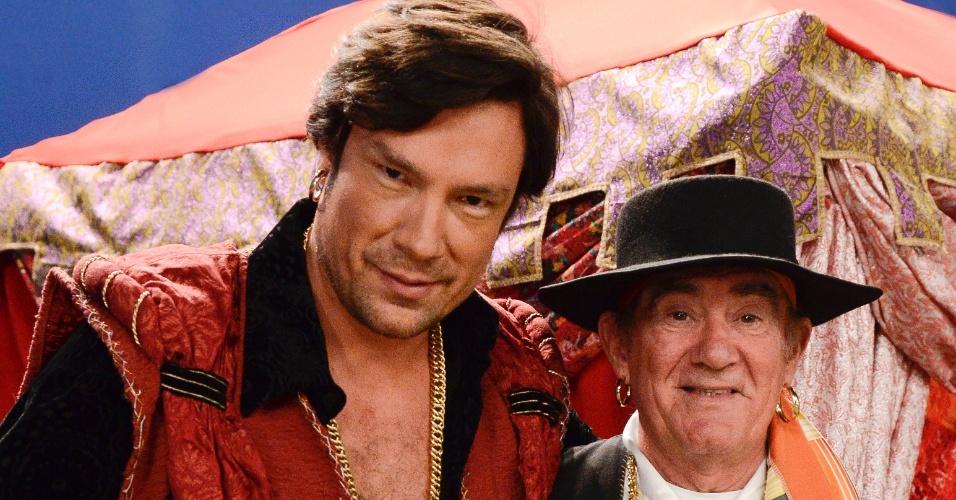 9.dez.2012 - Didi (Renato Aragão) e o cigano Igor (Ricardo Macchi)