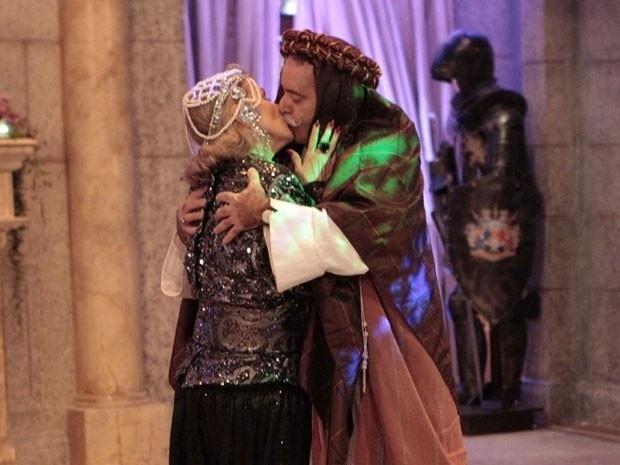 """Em """"Guerra dos Sexos"""", Otávio beija Charlô e se declara; """"ainda vou domar você"""" (8/12/12)"""