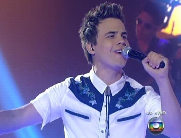 """Danilo Dyba canta """"Romaria"""", de de Elis Regina, na sexta semifinal do """"The Voice Brasil"""" (9/12/12)"""
