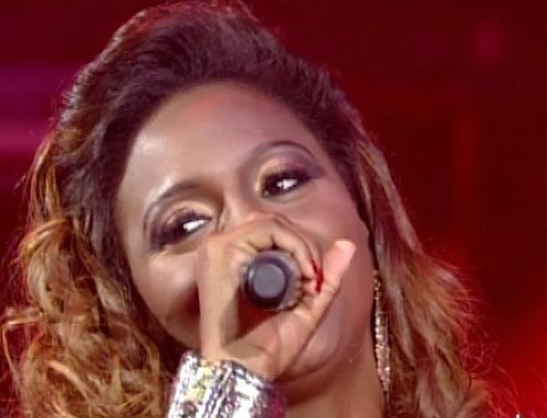 "Ludmillah Anjos canta ""Meu Corpo Quer Você"", de Naldo, na sexta semifinal do ""The Voice Brasil"" (2/12/12)"