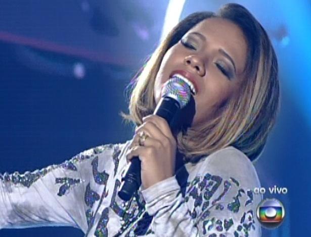 "Thalita Pertuzatti canta ""Paciência"", de Lenine, na sexta semifinal do ""The Voice Brasil"" (9/12/12)"