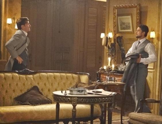 """Em """"Lado a Lado"""", Usando o nome de Albertinho, Umberto atrai Constância para sua casa"""