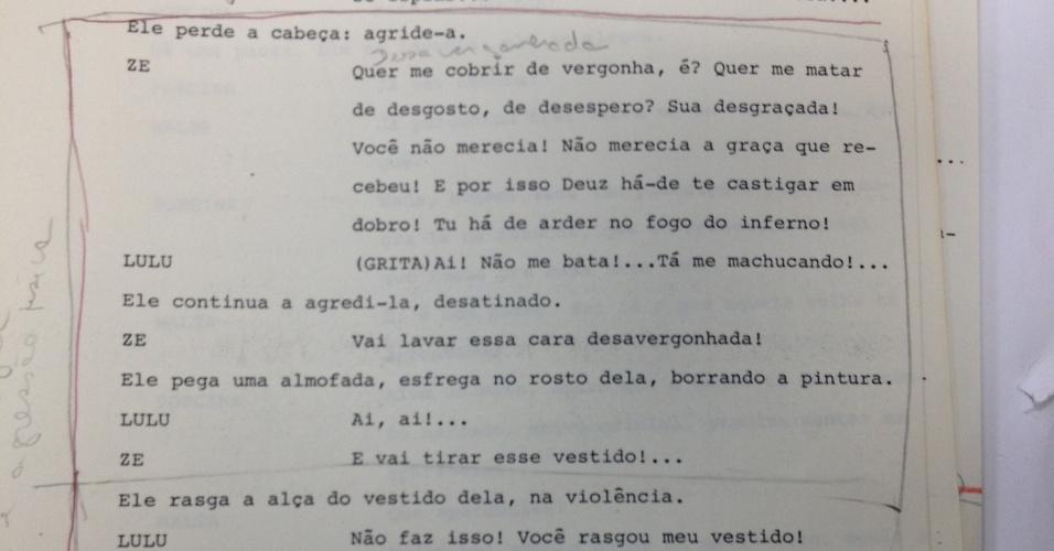 """Censores pedem corte em diálogo da novela """"Roque Santeiro"""" (1985) em que Zé das Medalhas (Armando Bogus) espanca sua mulher Lulu (Cássia Kis Magro)"""