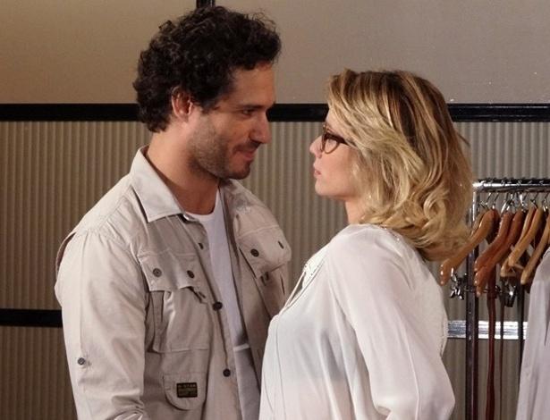 """Em """"Guerra dos Sexos"""", Fábio garante que vai se divorciar e deixa Juliana  feliz"""