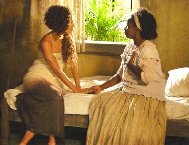 """Em """"Lado a Lado"""", Jurema convence Isabel a fazer show de samba e enfrentar preconceito"""