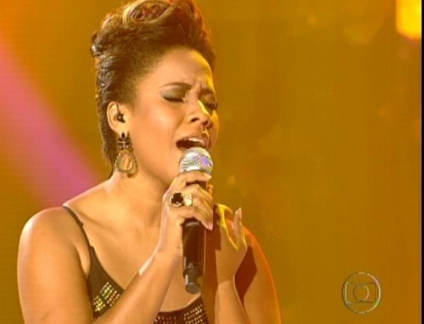"""Thalita Pertuzatti canta """"Quem de Nós Dois"""", de Ana Carolina, na final do """"The Voice Brasil"""""""