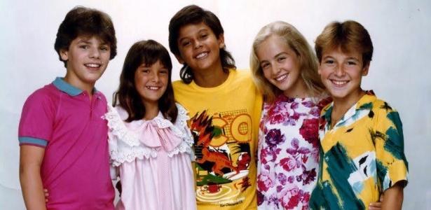 Rodrigo Faro (dir.), Angélica e Ticiane Pinheiro em foto dos anos 1980 publicada por Angélica no Facebook