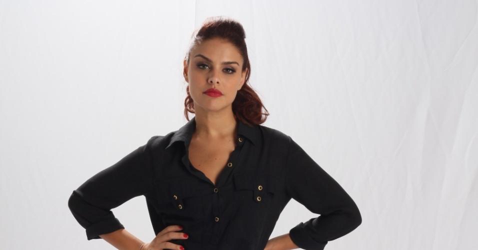 19.dez.2012 - Paloma Bernardi é a Rosângela em