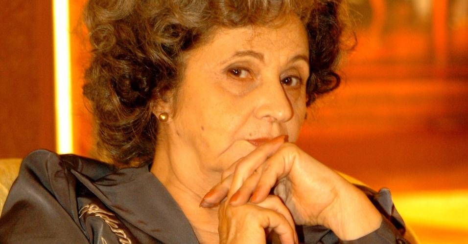 """6.abr.2005 - Atriz Thelma Reston em cena da novela """"A Lua Me Disse"""""""