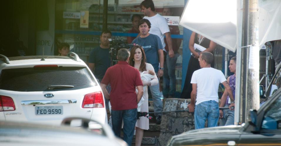 """Claudia Raia e Oscar Magrini gravam cenas de """"Salve Jorge"""" no Rio de Janeiro"""