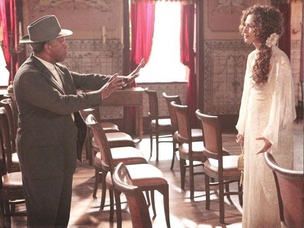 "Em ""Lado a Lado"", Afonso maltrata Isabel e diz que a filha morreu para ele"