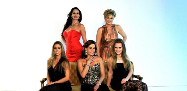 """Cozete, Andréia, Marina, Narcisa e Aileen, as integrantes da 2ª temporada de """"Mulheres Ricas"""" da Band"""