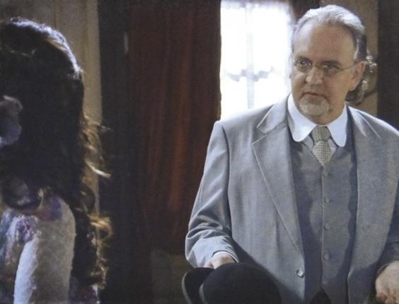 """Em """"Salve Jorge"""", Catarina e Oswaldo caem na armadilha de Laura e são desmascarados"""