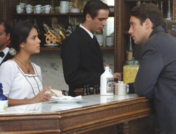 """Em """"Lado a Lado"""", Gilda descobre noivado de Albertinho com Esther e dá um fora nele"""