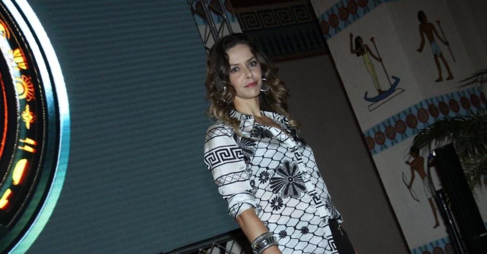 """15.jan.2013 - Bianca Rinaldi prestigiou o lançamento da nova minissérie da Record, """"José do Egito"""", que aconteceu no Rio"""