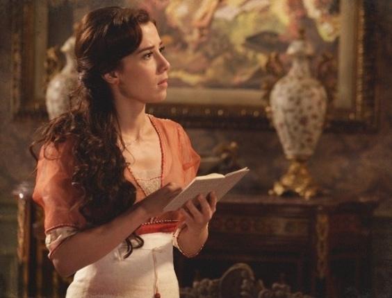 """Em """"Salve Jorge"""", Laura descobre que a mãe sustenta menino chamado Elias"""