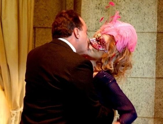 """17.jan.2013 - Em """"Guerra dos Sexos"""", Charlô tem flashback romântico com Otávio"""
